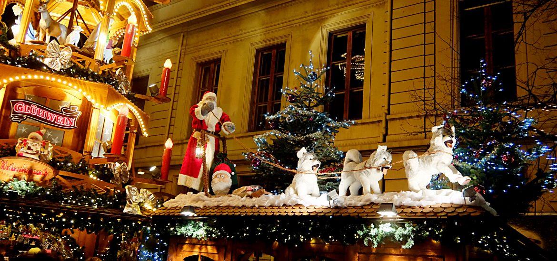 Basel Christmas Market.Christmas In Switzerland Basel Christmas Markets Dong S