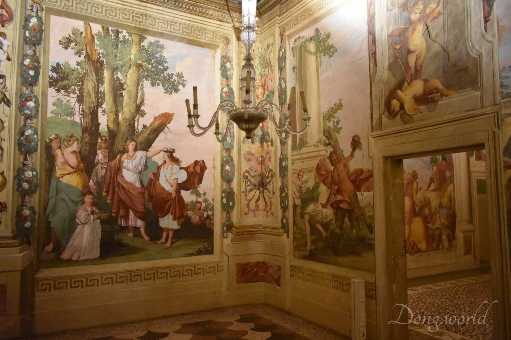 Villa La Rotonda In Vicenza And Villa Caldogno In Comune Di